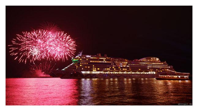 rostock cruise festival / warnemuende.DE // photo and copyright by manfred h. vogel / mhvogel.de