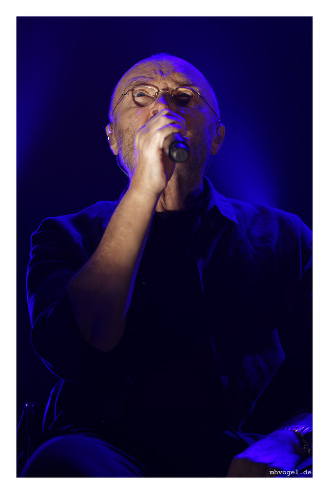phil collins - not dead yet, cologne.DE // photo and copyright by manfred h. vogel / mhvogel.de
