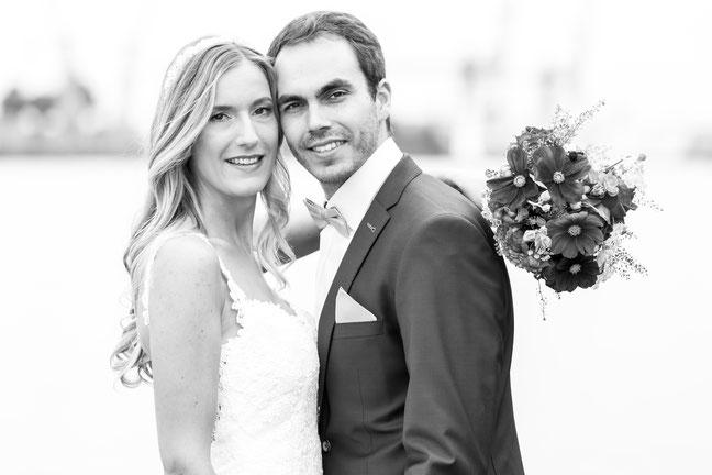 Hochzeitsfotos Elmshorn und Hochzeitsreportagen in Elmshorn, Hochzeitsfotograf Dennis Bober von DeBo-Fotografie begleitet sie in Elmshorn..