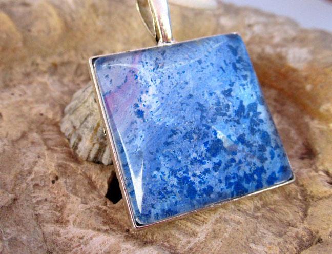 collier-fille-femme-bleu-nacre-violet-bijou-fantaisie-royan-art-collection-cadeau-original-moderne-feminin