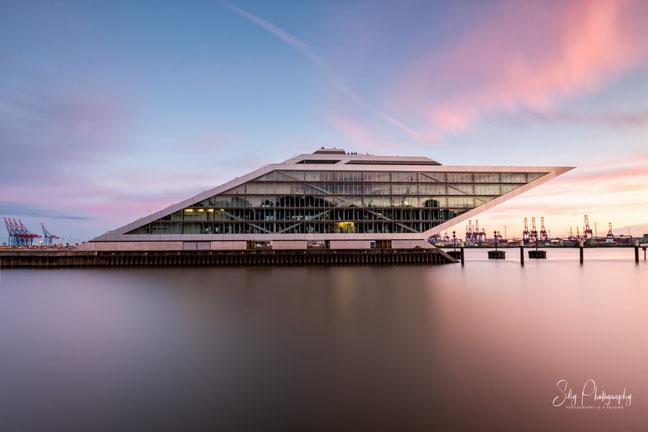 Hamburg / Hamburger Hafen / Dockland, Langzeitbelichtung, 2021, ©Silly Photography