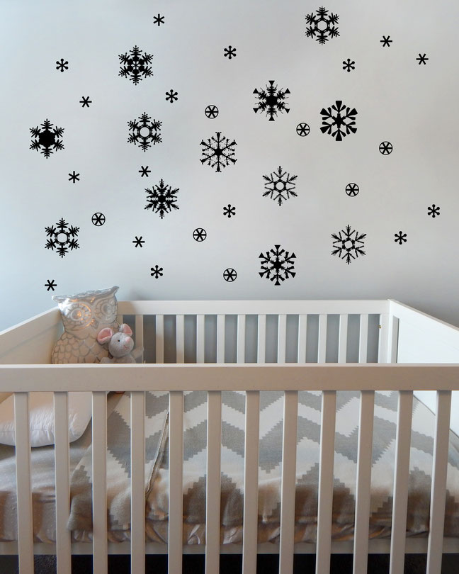 snowflakes vinyl Wall art decals from www.wallartcompany.co.uk
