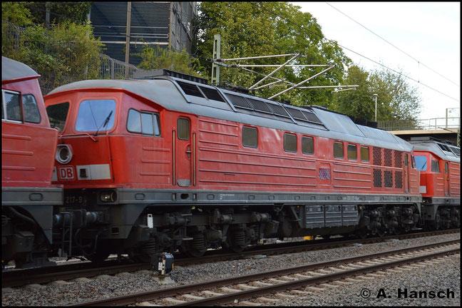 Am 9. Juli 2018 wird die Lok in einem Lokzug ins DB Stillstandsmanagement nach Chemnitz überführt. Kurz vorm Ziel entstand noch ein Bild