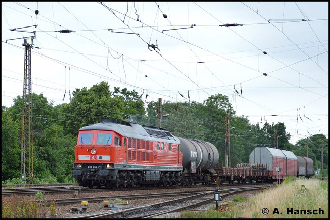 233 452-2 zieht am 26. Juni 2017 einen modellbahngerechten Güterzug durch Leipzig-Wiederitzsch