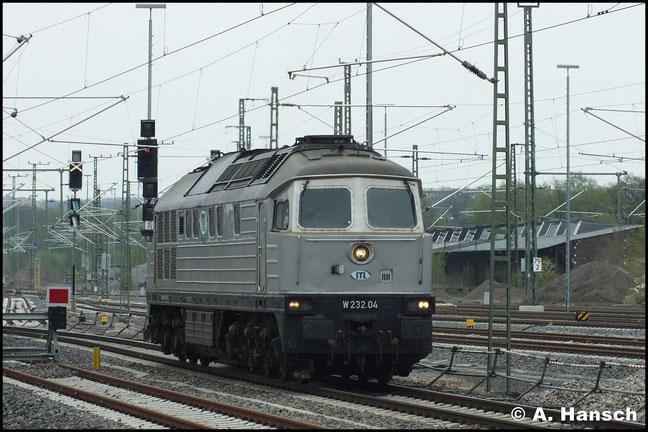 232 004-4 (W232.04 der ITL) fährt am 3. Mai 2013 zunächst Lz in den Chemnitzer Hbf. ein…