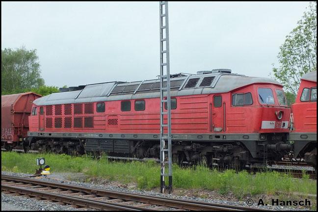 Nach 233 451-4 und 233 596-6 steht 233 683-2 als dritte Lok am 24. Mai 2013 im Chemnitzer Südbahnhof