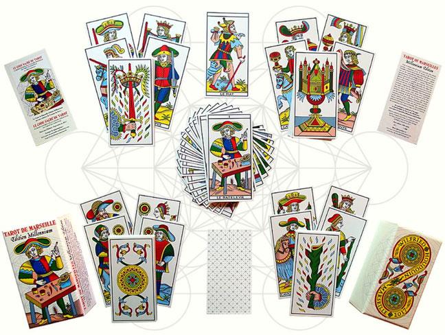写真をクリックするとHPへ。ページ下の方に神聖幾何学タロットのカートがございます。