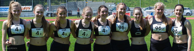 Die neun Staffelläuferinnen des LC