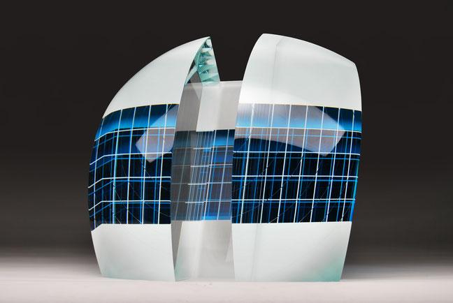Hubble | cut, ground, laminated, hand polished glass | 30 x 30 x 23 cm | 2016 | ●