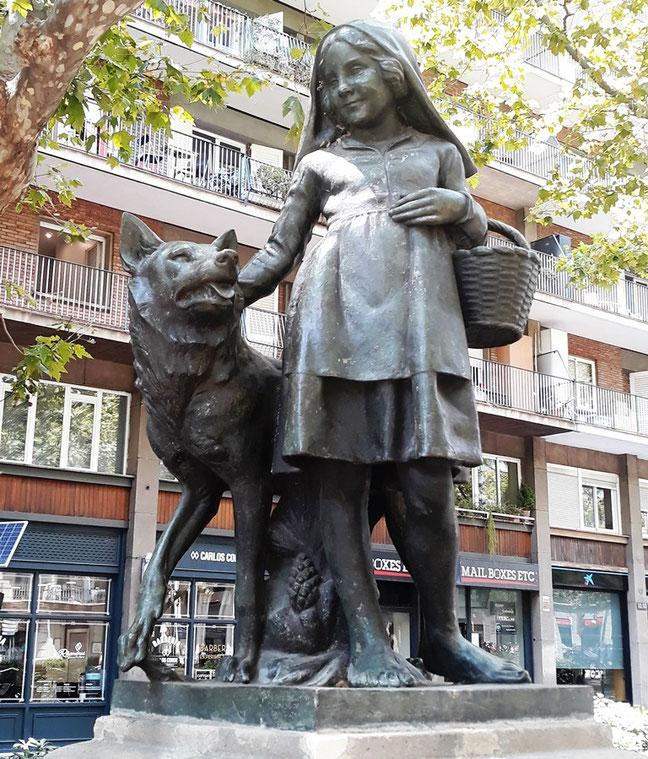 Красная шапочка - памятники Барселоны