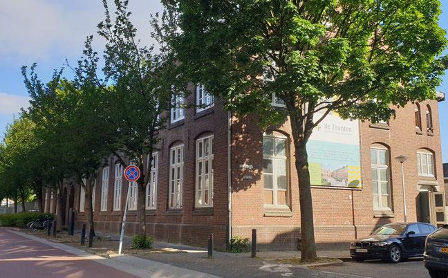School, noodkerk Lambertuskerk, gemeentelijk monument, Victor de Stuersstraat Maastricht
