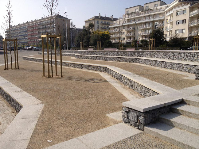 Construction mobiliers urbains en gabions, murets et bancs