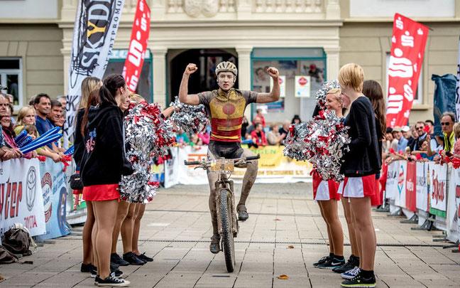 Simon Stiebjahn ist der Überraschungssieger der fünften Trans Zollernalb ©Armin M. Küstenbrück
