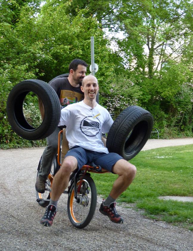 © Spezialradmesse // Das 3. Cargo-Bike-Rennen, ein nicht ganz ernst gemeinter Lastenrad-Wettbewerb, wird auch 2015 am Messesamstag wieder jede Menge Zuschauer anlocken.