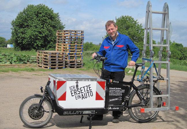 Schleppt (fast) so viel wie ein Kleinwagen: Das Transportrad mit Rückenwind ist laut ADFC Rheinland-Pfalz die komfortable und klimabewusste Alternative, vor allem im innerstädtischen Verkehr © E. Vortanz