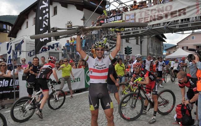 Weltmeister Alban Lakata ist Top-Favorit in Niederdorf ©Dolomiti Superbike