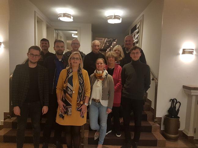Gruppenfoto der Wahl der neuen Ortsvorsitzenden