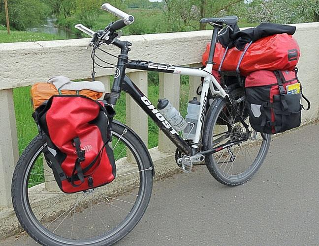 Reiserad bepackt, Frontroller, Backroller, Seesack, Packsack, Flaschenhalter