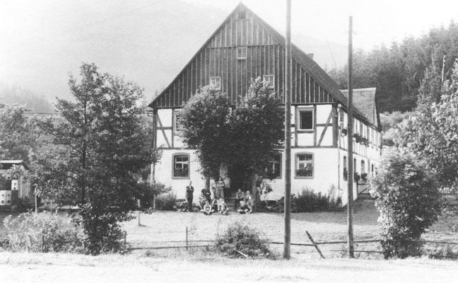 Sternbergs Wohnhaus, 1836 neu erbaut (Foto um 1920 kurz vor dem Umbau)