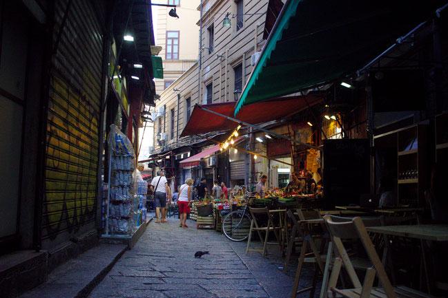 fluegelwesen.de - Geheimtipp für Palermo, Sizilien: kleine Gassen