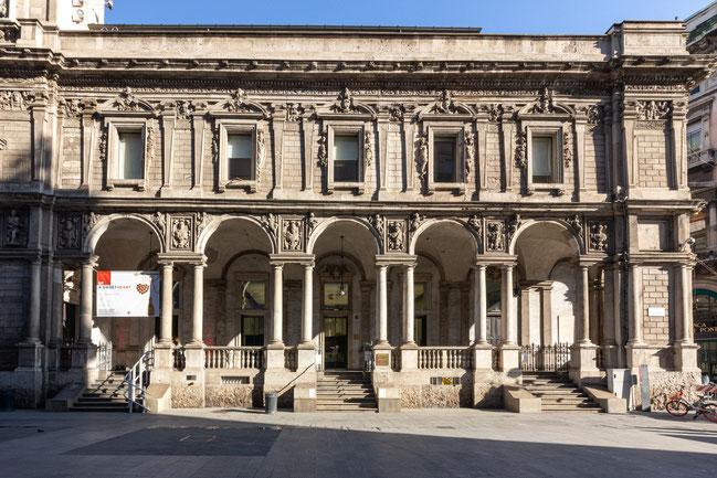 homi_beasweetheart Palazzo Giureconsuleti
