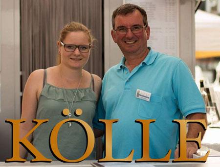 Elke, Heinz und Svenja Kölle stoßen mit Rotwein an!