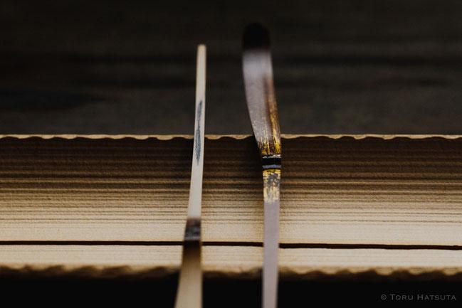 稲妻のような煤竹の古傷。金箔と竹の時代色