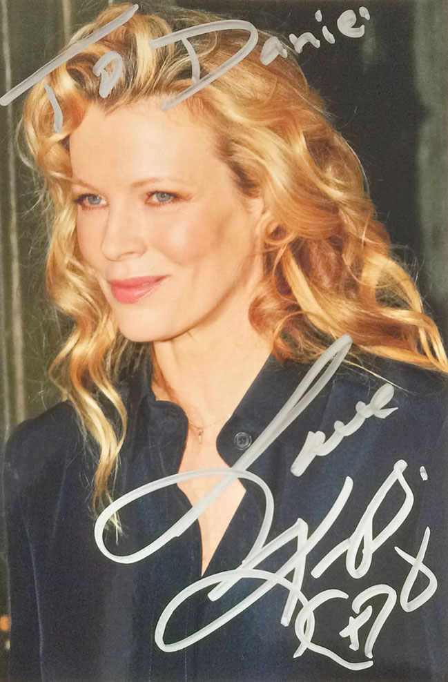 Kim Basinger, US Actress, played in Movies such as 'Never say Never Again' (James Bond), 9 1/2 weeks, Batman, L.A. Confidential, Picture bought at dreamstime, Autograph by Mail