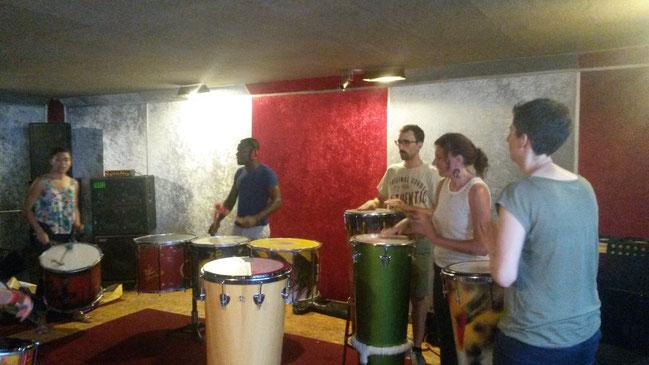 un atelier improvisé autour des sons du Timba.