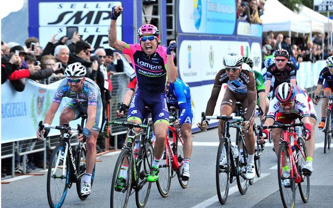 Trofeo Laigueglia: Davide Cimolai holt den Sieg  © Bettiniphoto