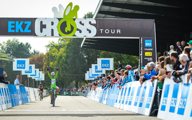 EKZ Crosstour in Dielsdorf: Damensiegerin Eva Lechner © Chris Roos