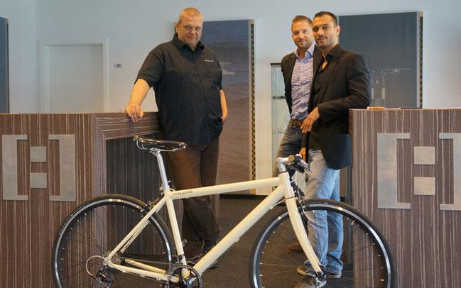 Starke Partnerschaft: german:A Geschäftsführer Thomas Kamm mit zwei der drei Gründer und Geschäftsführer von Freygeist, Martin Trink und Usama Assi (v.l.n.r.)
