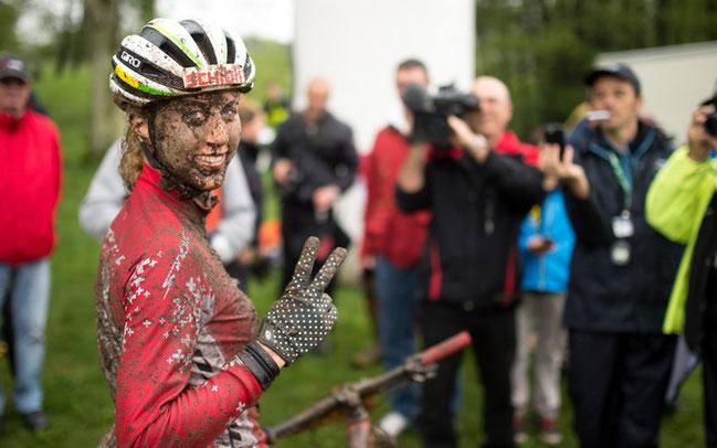 Jolanda Neff hatte Spaß bei der Schlammschlacht von Tesserete ©Schmid/Pressefoto BMC Racing Cup