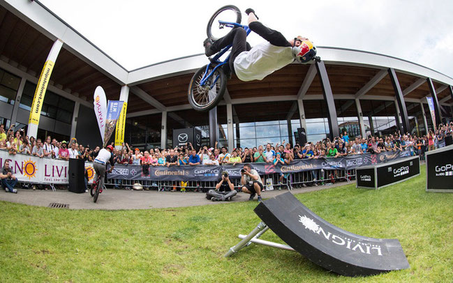 Danny McAskills Drop and Roll Show – hier auf der Eurobike © Livigno Press Office