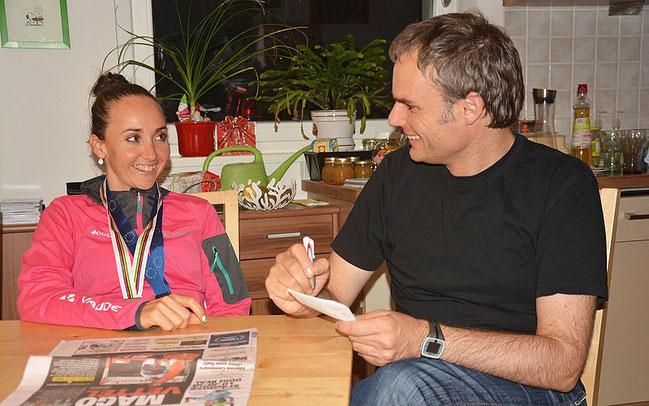 Eva Lechner im Interview mit Dr. Josef Bernhart © Miriam L. Weiß