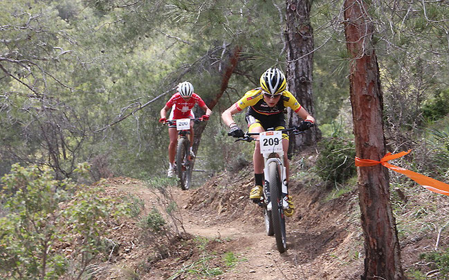Damenrennen beim Cyprus Sunshine Cup ©Erhard Goller