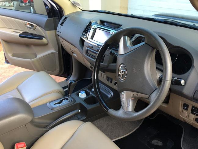 Auto zu vermieten - Toyota Fortuna - Südafrika . Somerset West