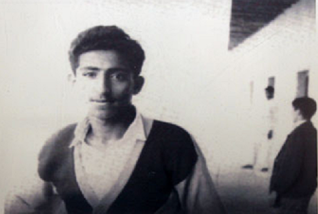 1956. SON ALTESSE ETUDIANT à  SCHOOL OF QASMIYAH