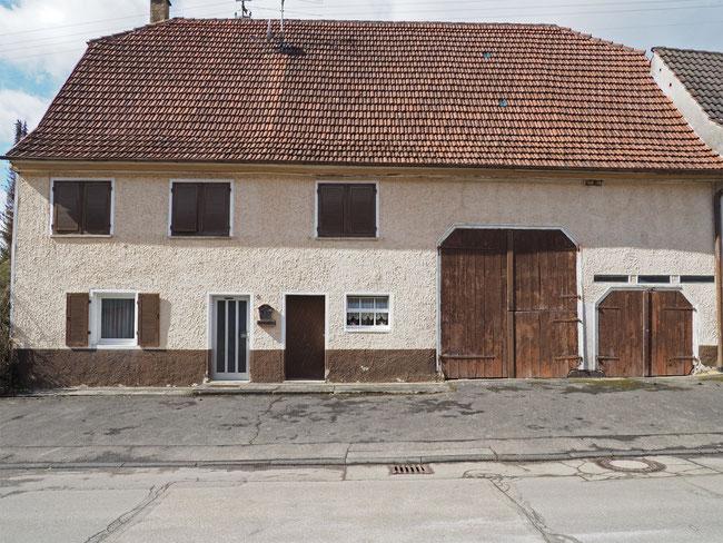 Gebäude Bachstraße 4 mit Krüppelwalmdach