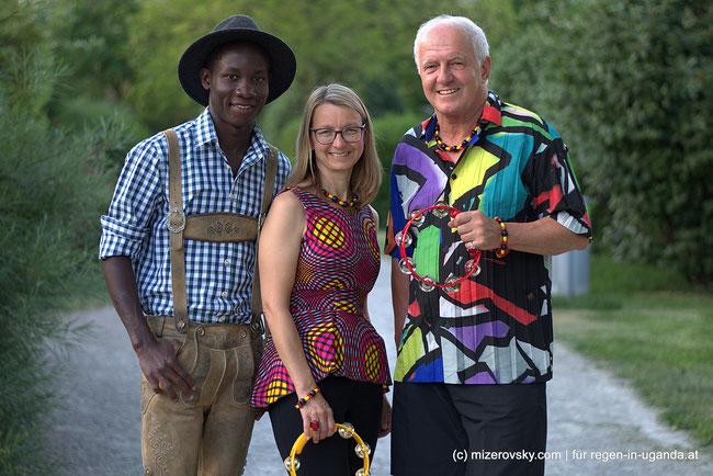 Von links nach rechts: Enocah Sssekasamba, Petra Regen, Karl Dampier