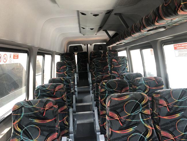 Renta de camionetas de turismo viajes locales y de carretera, puntualidad, seguridad y confianza.
