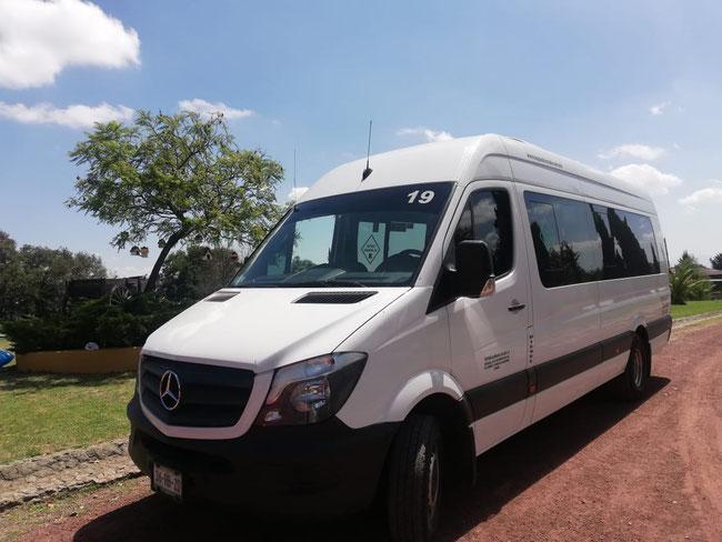 Renta de vans con chofer profesional. excursiones, tours, viajes familiares y de amigos, cotiza tu viaje.