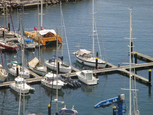 Da liegt uns rolling home: im Hafen von Vila da Porto / Azoren