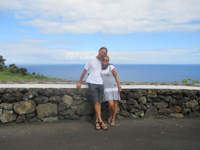Selten wurde die Auriga-Crew gemeinsam fotografiert: hier an einem Miradouro auf Terceira