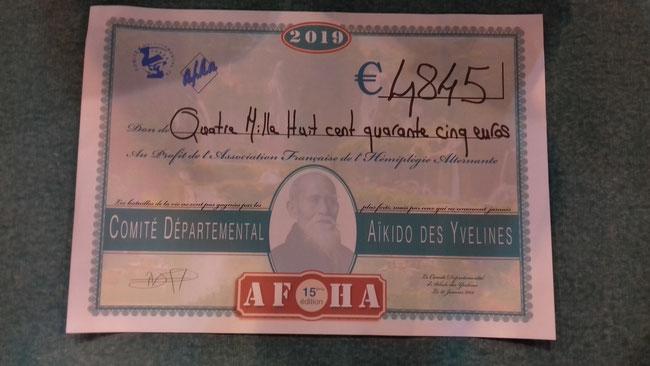 Mirjana (vice-présidente de l'A.F.H.A.), Marie-Françoise et Rémi (membres de l'A.F.H.A.) étaient présents pour représenter notre association et recevoir un chèque d'un montant de 4 845 € des mains de Dominique DALLET.