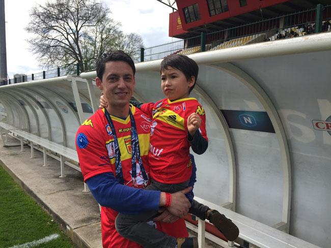 Louis et son papa Jérôme lors du match Quevilly VS Créteil