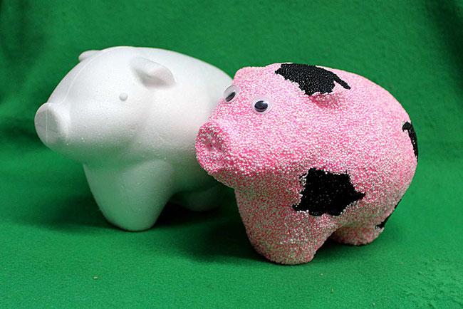 Foam Clay, Glückbsbringer basteln, Wolkenschleim, Neujahr, Glück, DIY, lucky, Schweinderl, Pig, Styropor-Figur