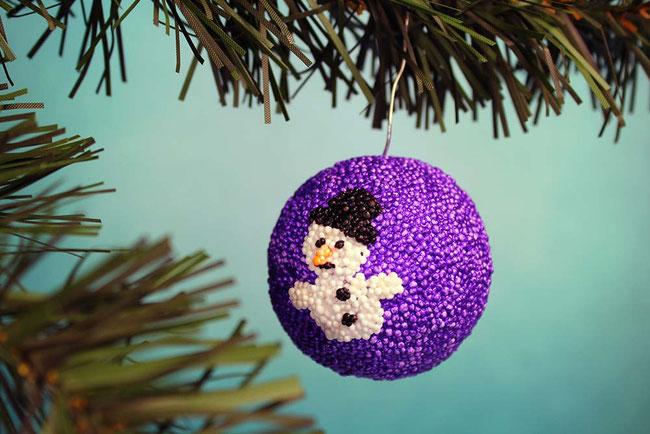 Foam Clay, Wolkenschleim, basteln mit Kindern, Weihnachten, Xmas, Weihnachtskugel, Schneemann