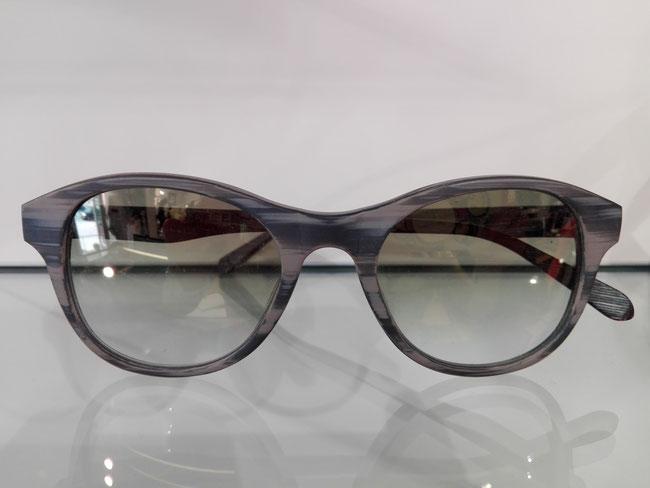 Sonnenbrille mit Steinbügel aus Schiefer von Einstoffen