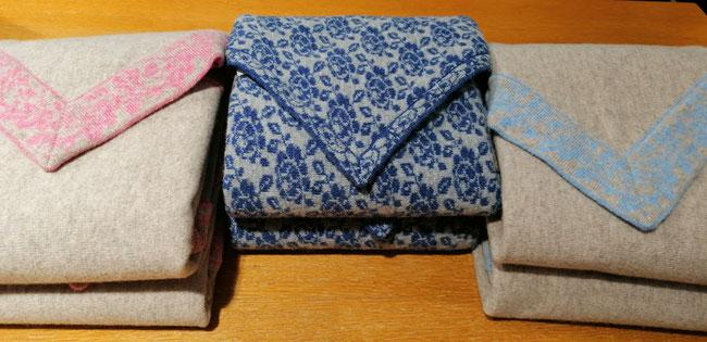 Dreieckstücher aus reiner Schurwolle